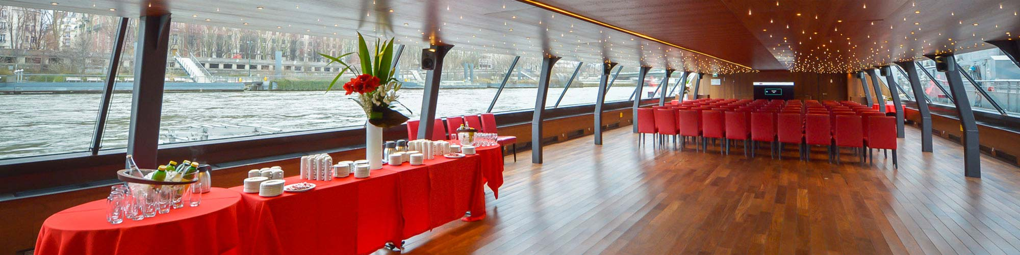 Boat and barge hire in Paris
